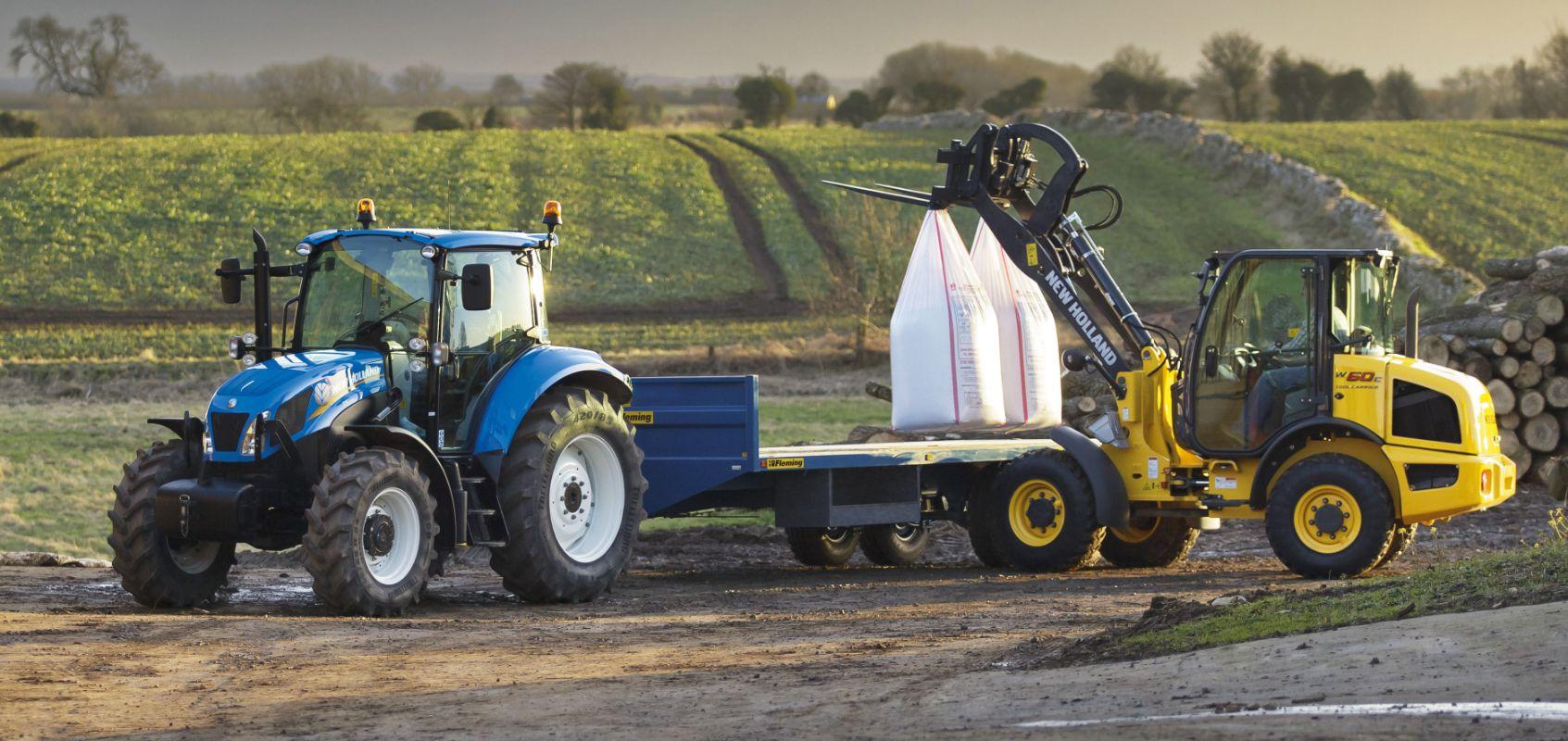 flatbed bale trailer loading fertiliser